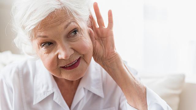 老人性難聴の症状・原因・治療方法をサクッと解説